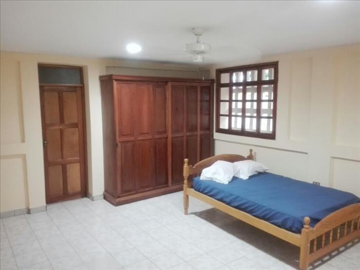alquilo apartamento precioso en condominio